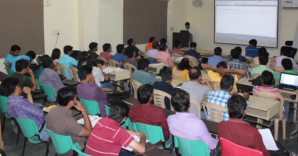 Nimit Joshi delivering his session